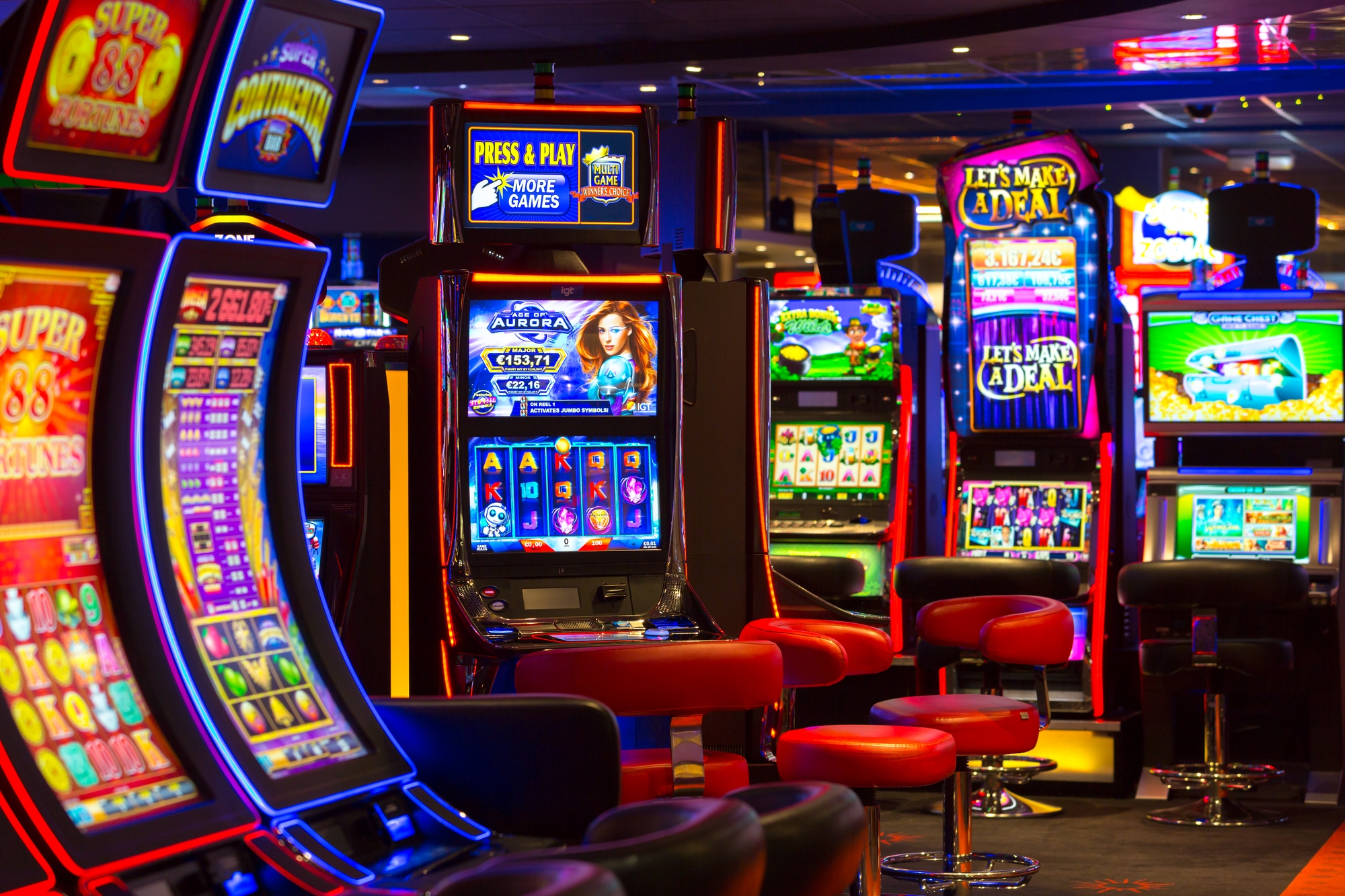 Pick online casinos to play card games